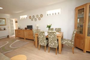 http://brookindependent.co.uk/wp-content/uploads/2018/05/breakfast-dining-area-1-1024x683.jpg