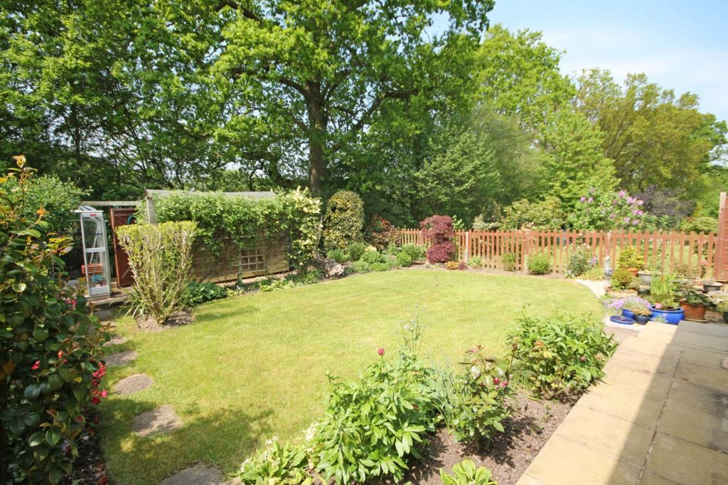 http://brookindependent.co.uk/wp-content/uploads/2018/05/garden-other-angle-1-1024x683.jpg