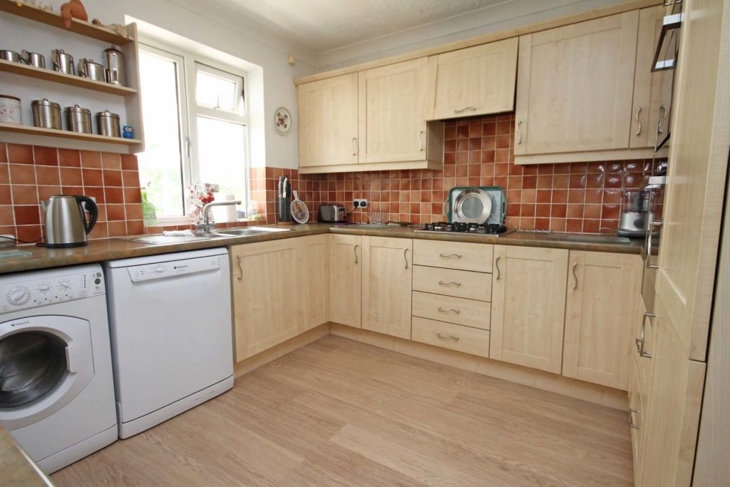 http://brookindependent.co.uk/wp-content/uploads/2018/05/kitchen-area-3-1024x683.jpg