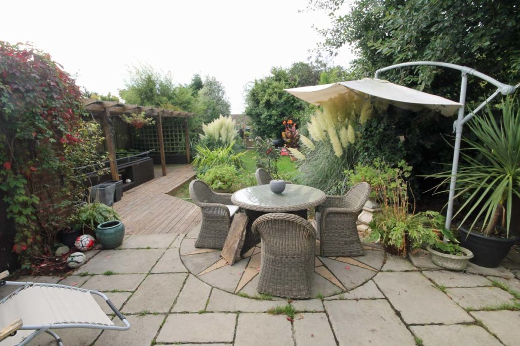 http://brookindependent.co.uk/wp-content/uploads/2018/07/rear-garden-3-1024x682.jpg