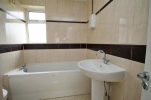 http://brookindependent.co.uk/wp-content/uploads/2018/08/Bathroom-upstairs_edited-1-1024x683.jpg