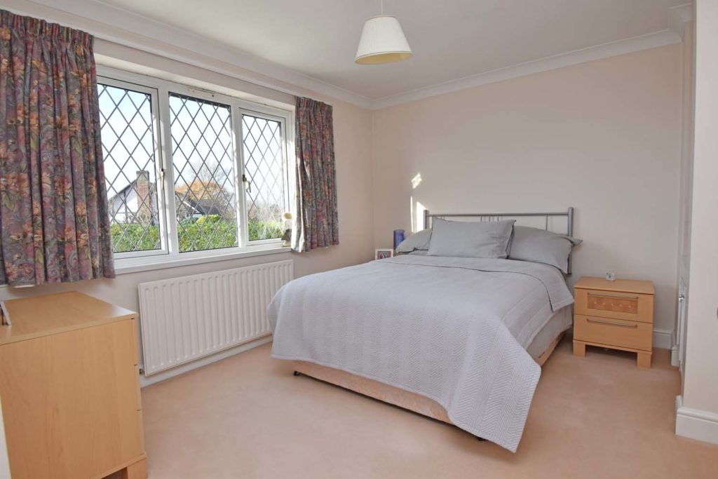 http://brookindependent.co.uk/wp-content/uploads/2018/12/JH-bedroom-3-other-angle-1024x683.jpg