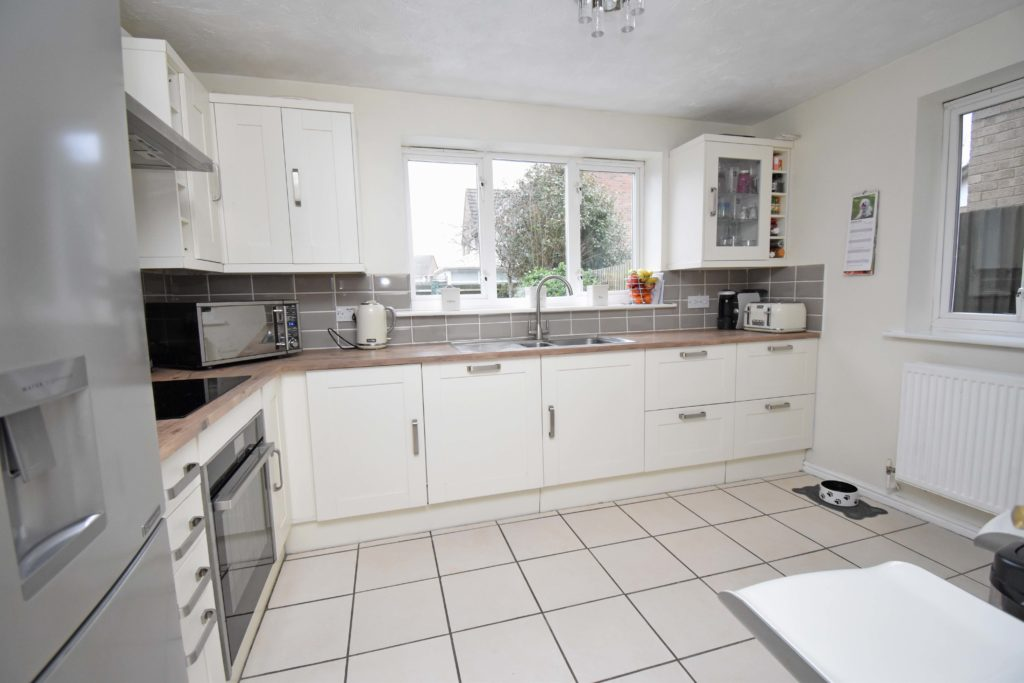 http://brookindependent.co.uk/wp-content/uploads/2019/01/CG-Kitchen-other-Angle-1024x683.jpg