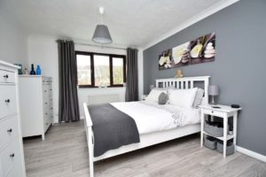 http://brookindependent.co.uk/wp-content/uploads/2019/02/Chine-Close-Master-Bedroom-1024x682.jpg